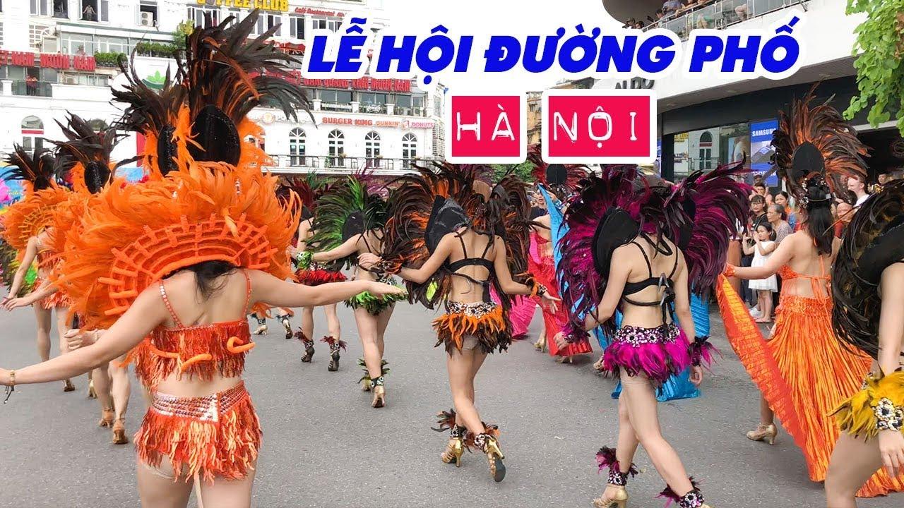 le-hoi-duong-pho-ha-noi-ngam-cac-chan-dai-cuc-xinh-tren-pho-di-bo